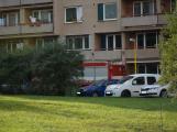 Tři metry k životu: Hasičům blokují průjezd špatně zaparkovaná auta (60)