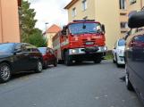 Tři metry k životu: Hasičům blokují průjezd špatně zaparkovaná auta (82)