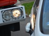 Tři metry k životu: Hasičům blokují průjezd špatně zaparkovaná auta (99)