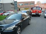 Tři metry k životu: Hasičům blokují průjezd špatně zaparkovaná auta (96)