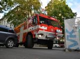 Tři metry k životu: Hasičům blokují průjezd špatně zaparkovaná auta (89)