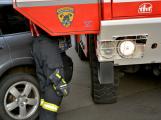 Tři metry k životu: Hasičům blokují průjezd špatně zaparkovaná auta (93)