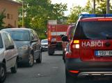 Tři metry k životu: Hasičům blokují průjezd špatně zaparkovaná auta (95)