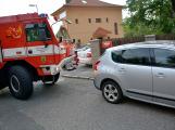 Tři metry k životu: Hasičům blokují průjezd špatně zaparkovaná auta (17)