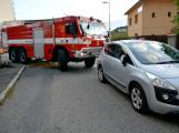 Tři metry k životu: Hasičům blokují průjezd špatně zaparkovaná auta (18)