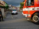 Tři metry k životu: Hasičům blokují průjezd špatně zaparkovaná auta (20)