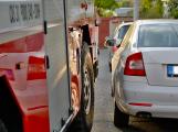 Tři metry k životu: Hasičům blokují průjezd špatně zaparkovaná auta (23)