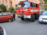 Tři metry k životu: Hasičům blokují průjezd špatně zaparkovaná auta (3)