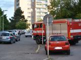 Tři metry k životu: Hasičům blokují průjezd špatně zaparkovaná auta (6)