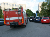 Tři metry k životu: Hasičům blokují průjezd špatně zaparkovaná auta (7)