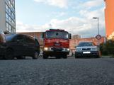 Tři metry k životu: Hasičům blokují průjezd špatně zaparkovaná auta (9)