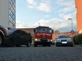 Tři metry k životu: Hasičům blokují průjezd špatně zaparkovaná auta (10)