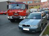 Tři metry k životu: Hasičům blokují průjezd špatně zaparkovaná auta (27)