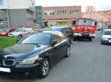 Tři metry k životu: Hasičům blokují průjezd špatně zaparkovaná auta (28)