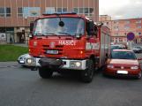 Tři metry k životu: Hasičům blokují průjezd špatně zaparkovaná auta (44)
