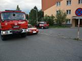 Tři metry k životu: Hasičům blokují průjezd špatně zaparkovaná auta (45)