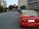 Tři metry k životu: Hasičům blokují průjezd špatně zaparkovaná auta (47)