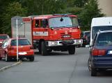Tři metry k životu: Hasičům blokují průjezd špatně zaparkovaná auta (48)