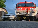 Tři metry k životu: Hasičům blokují průjezd špatně zaparkovaná auta (53)