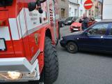Tři metry k životu: Hasičům blokují průjezd špatně zaparkovaná auta (34)