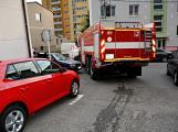 Tři metry k životu: Hasičům blokují průjezd špatně zaparkovaná auta (36)
