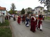 Svatohorská Šalmaj: Den plný hudby, tanců, loutek a šermu (7)