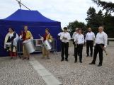 Svatohorská Šalmaj: Den plný hudby, tanců, loutek a šermu (11)
