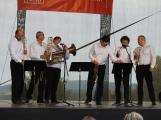 Svatohorská Šalmaj: Den plný hudby, tanců, loutek a šermu (16)