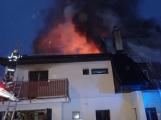 Požár rodinného domu ve Voznici způsobil dvoumilionovou škodu ()