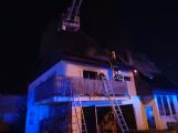 Požár rodinného domu ve Voznici způsobil dvoumilionovou škodu (1)