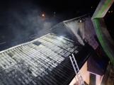 Požár rodinného domu ve Voznici způsobil dvoumilionovou škodu (5)