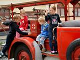V sobotu oslavili březničtí hasiči narozeniny, mezi dárky byl i nový automobil (65)
