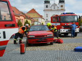 V sobotu oslavili březničtí hasiči narozeniny, mezi dárky byl i nový automobil (1)