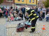 V sobotu oslavili březničtí hasiči narozeniny, mezi dárky byl i nový automobil (36)