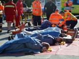 Cvičení záchranných složek: Na Příbramsku havaroval autobus s vězni, dva utekli (22)