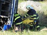Cvičení záchranných složek: Na Příbramsku havaroval autobus s vězni, dva utekli (8)