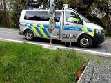 Kamion s vepři nedobrzdil a poškodil dva vozy (1)