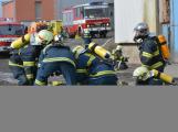 Složky IZS procvičovaly zásah u požáru s výskytem nebezpečné látky (84)