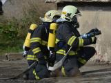 Složky IZS procvičovaly zásah u požáru s výskytem nebezpečné látky (86)