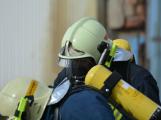 Složky IZS procvičovaly zásah u požáru s výskytem nebezpečné látky (106)