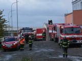 Složky IZS procvičovaly zásah u požáru s výskytem nebezpečné látky (108)