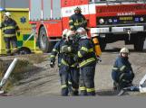 Složky IZS procvičovaly zásah u požáru s výskytem nebezpečné látky (111)