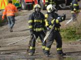 Složky IZS procvičovaly zásah u požáru s výskytem nebezpečné látky (99)