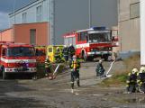 Složky IZS procvičovaly zásah u požáru s výskytem nebezpečné látky (90)