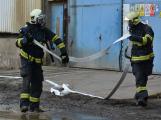 Složky IZS procvičovaly zásah u požáru s výskytem nebezpečné látky (16)
