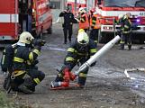 Složky IZS procvičovaly zásah u požáru s výskytem nebezpečné látky (23)