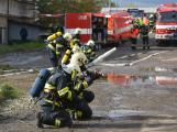 Složky IZS procvičovaly zásah u požáru s výskytem nebezpečné látky (1)