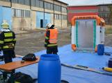 Složky IZS procvičovaly zásah u požáru s výskytem nebezpečné látky (30)
