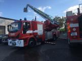 Hasiči vyjížděli k požáru dřevní štěpky v Bezděkově pod Třemšínem (19)