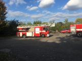 Hasiči vyjížděli k požáru dřevní štěpky v Bezděkově pod Třemšínem (20)